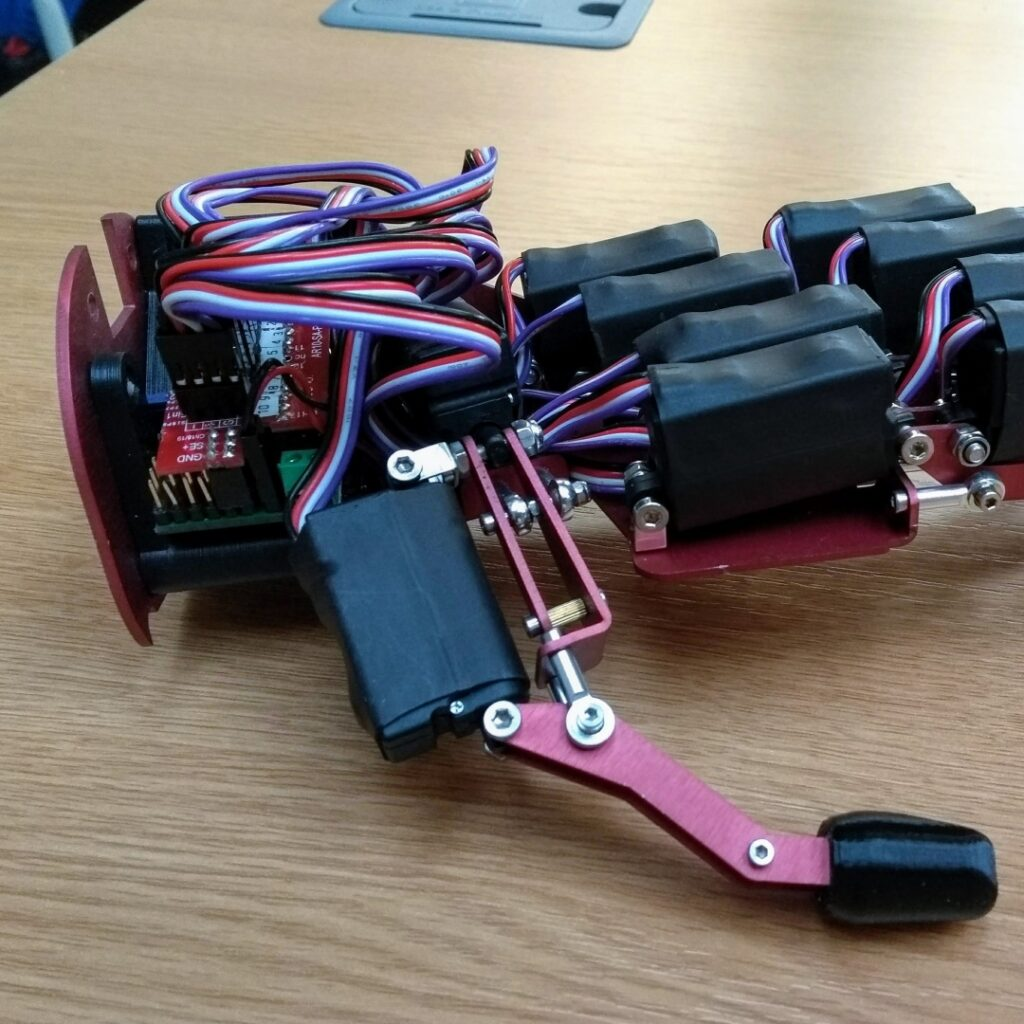 electronic board mount with 3d printed robot fingers