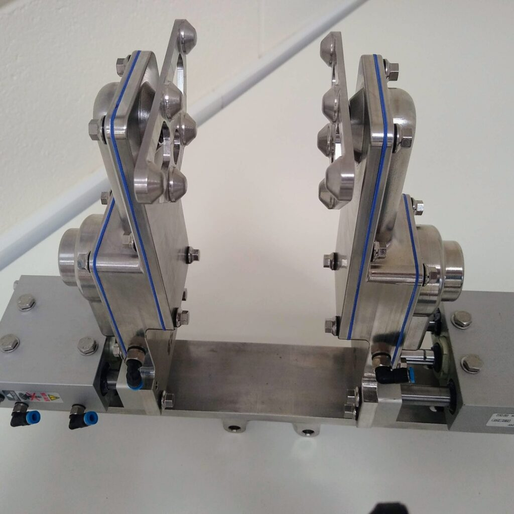 hygienic design pick and place tool for KUKA 316 with SMC FDA seals